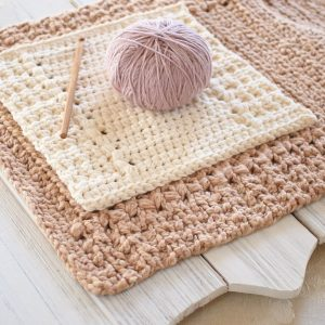 River's Edge Dishcloth and Hand Towel with Fun Puff Stitches