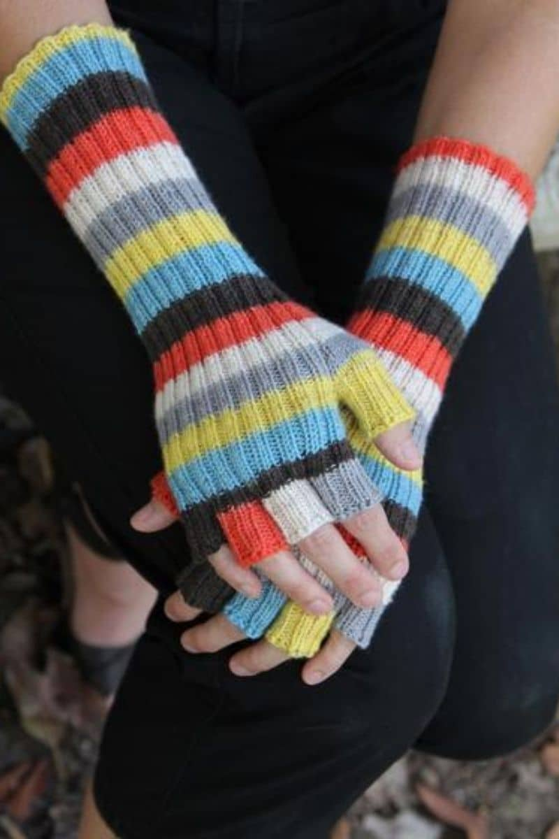 Striped long gloves