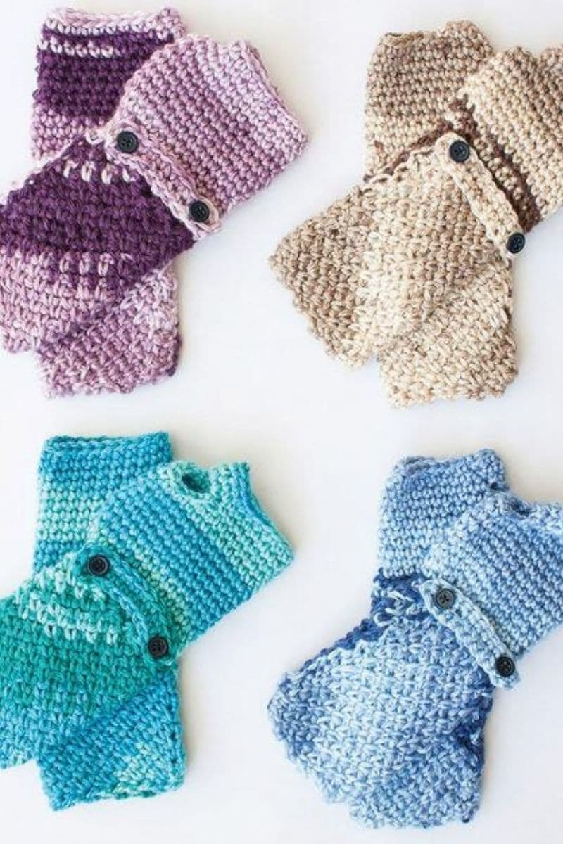 Colorful button mittens