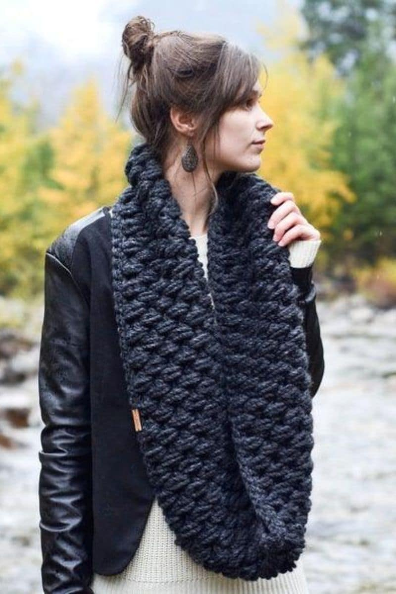 Black puff stitch scarf