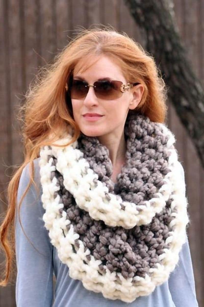 Grey and white chunky scarf