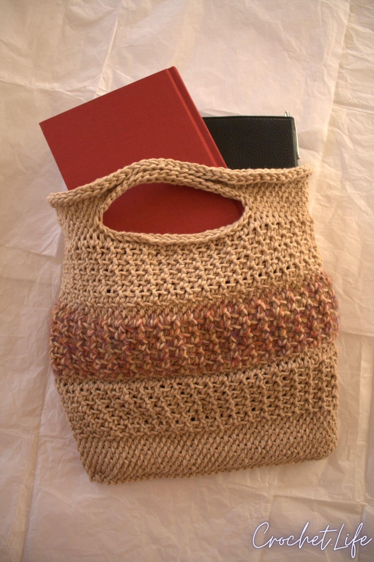 Bag holding tablet
